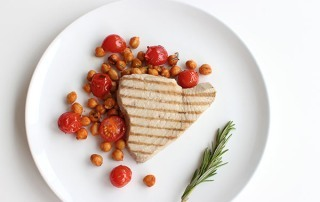 grilled tuna with spicy chickpeas